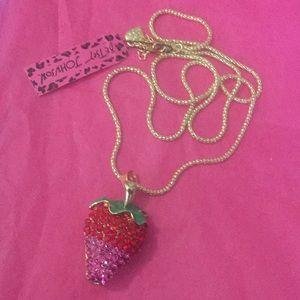 unbranded Jewelry - 2 tone strawberry 🍓